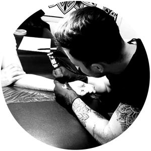 Rawtip von Ad Infinitum Tattoo Studio aus Bochum Ehrenfeld